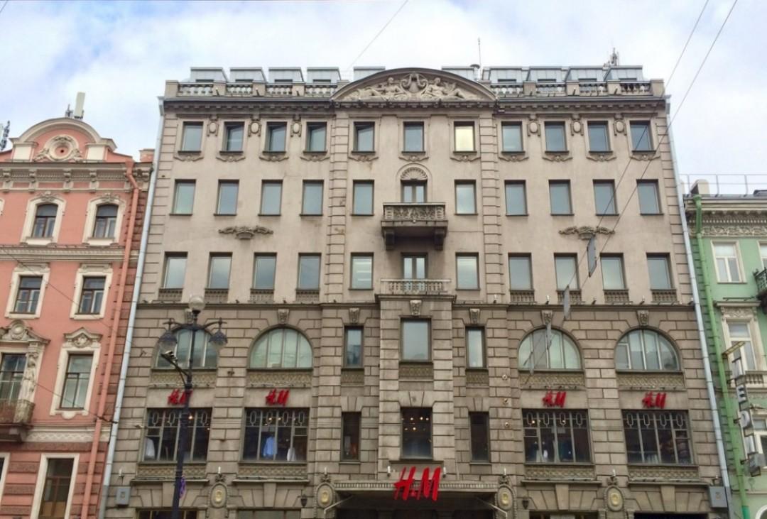 H&M закрывает главный магазин в Петербурге после десяти лет работы