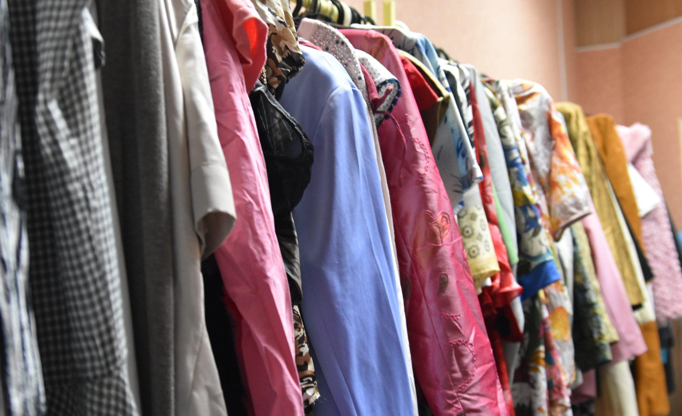 В Перми начал работать благотворительный магазин одежды