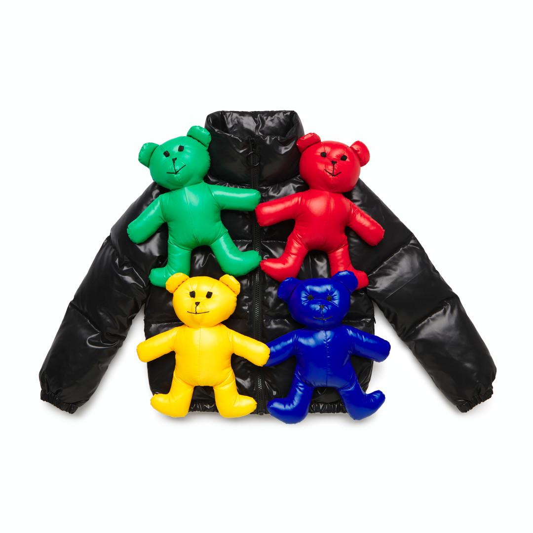 United Colors of Benetton выпустил лимитированную серию ироничных курток