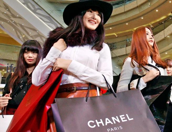 Китай стал единственной страной, где отмечен рост люксовых товаров