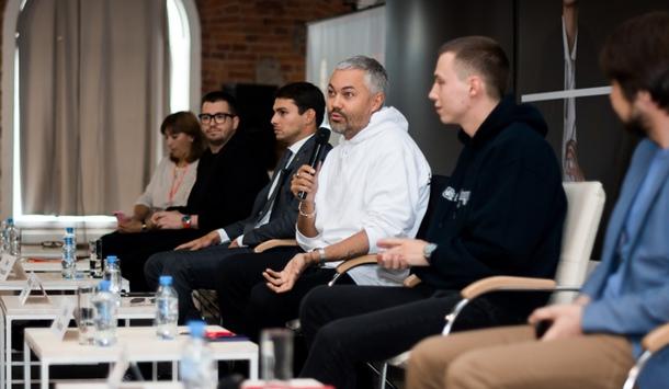 В Санкт-Петербурге стартовал ежегодный нетворкинг-форум индустрии моды