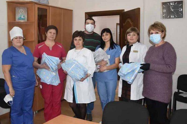 ООО «Камышинский текстиль» передал городскому госпиталю комплекты постельного белья