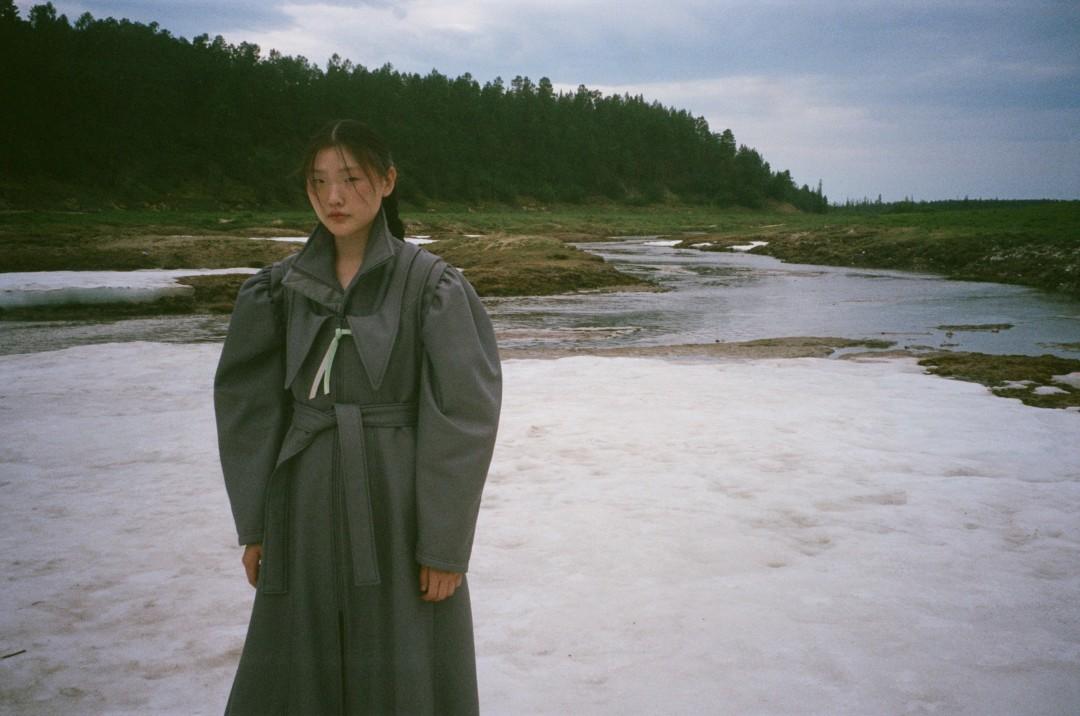Дизайнер выпустила новую коллекцию одежды, вдохновленную традициями Якутии