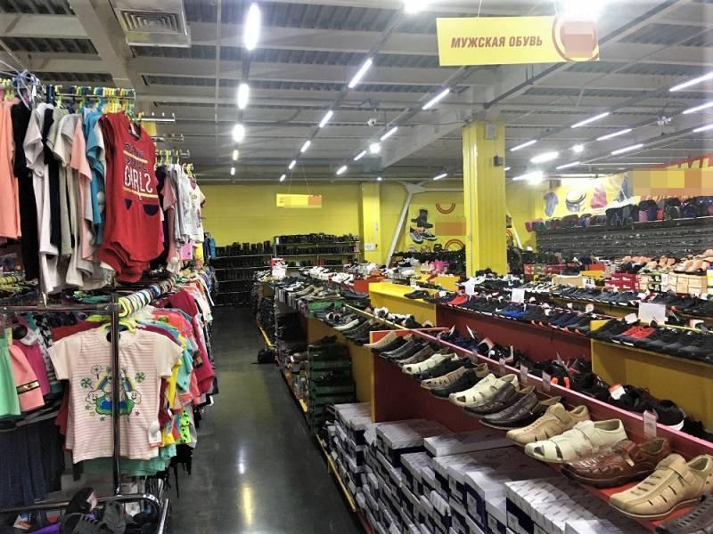 В магазине Железногорска изъяли поддельную одежду на 3 млн рублей