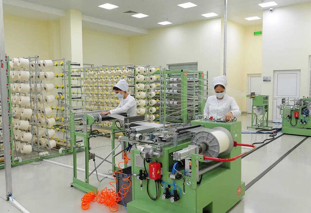 Хлопкопрядильная фабрика Туркменистана увеличивает производство пряжи