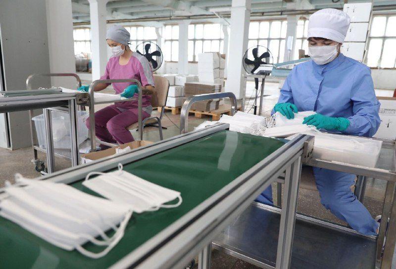 С начала пандемии в России произвели 2 млрд медицинских масок