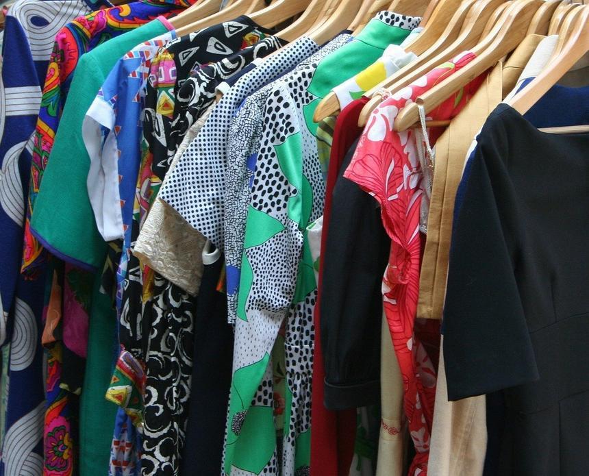 Испанская компания создала шкаф, дезинфицирующий одежду от коронавируса
