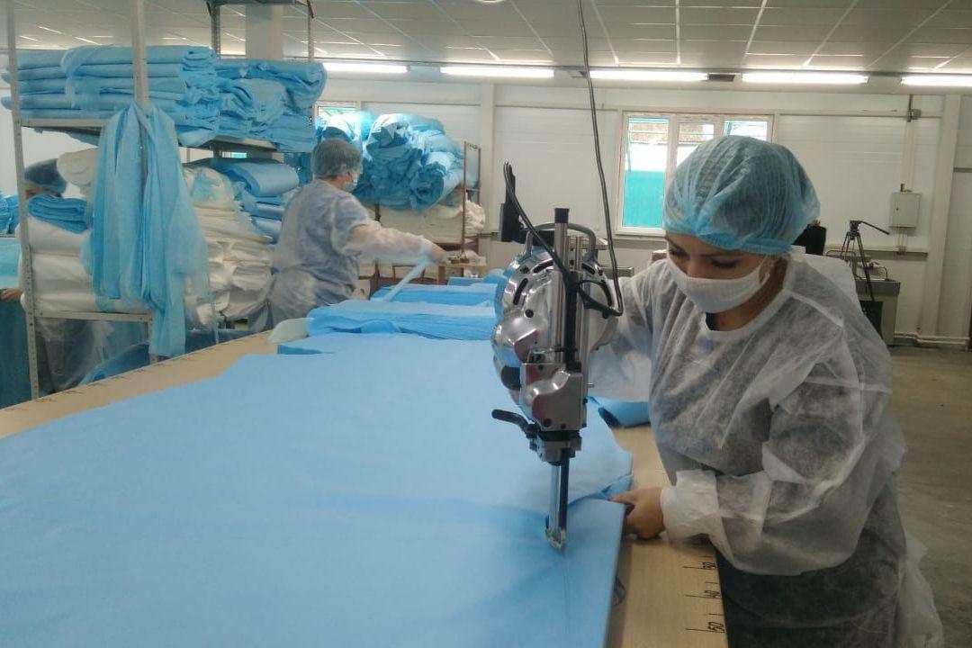 Донские предприятия по пошиву защитной одноразовой одежды увеличат объемы производства
