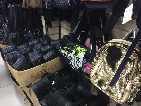 В Подмосковье обнаружили 413 пар немаркированной обуви