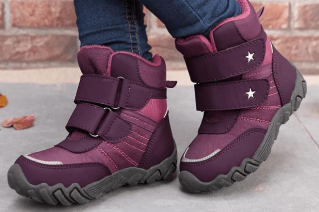 В Гродненской области выявили факт продажи опасной зимней детской обуви