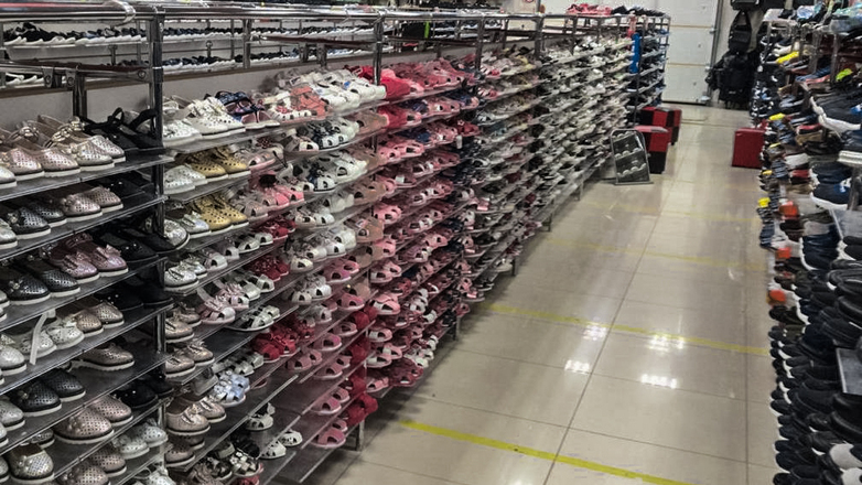 В Ставропольском крае изъяли более 10 тысяч пар немаркированной обуви