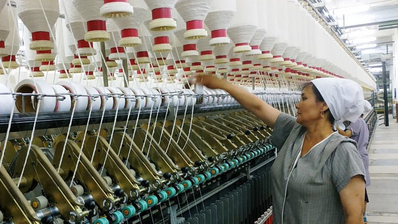 В Таджикистане увеличилось производство текстиля