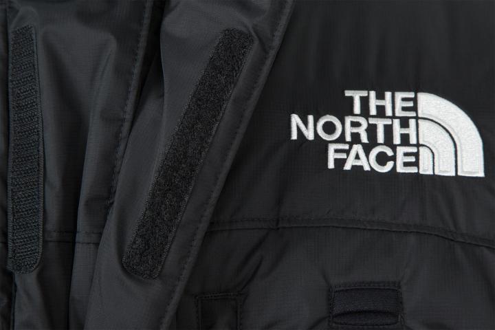 Бренд The North Face отказался выпускать куртки для сотрудников нефтяной компании