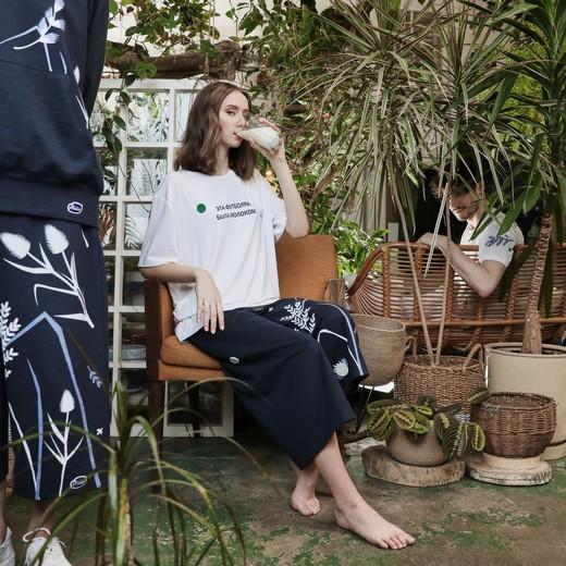 Компания Valio выпустила коллекцию одежды из переработанного молока