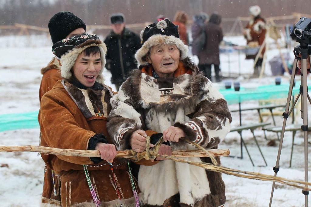 Жителей Чукотки просят сшить теплую одежду для оленеводов