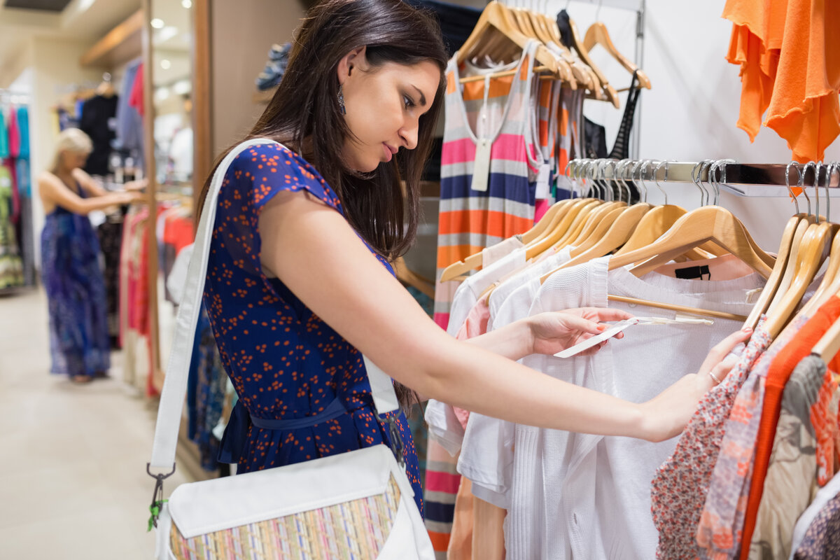 В Германии полностью остановилась торговля одеждой