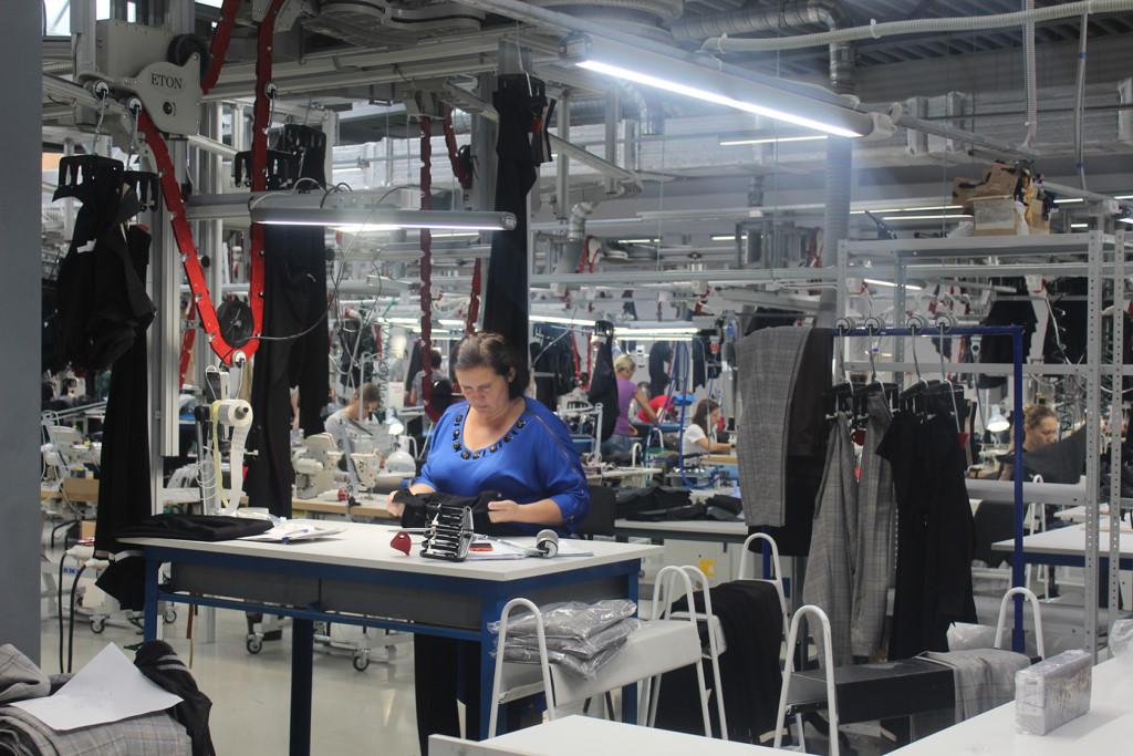 Вольская швейная фабрика приглашает всех желающих обучиться швейному делу