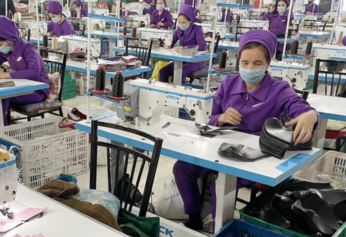 Туркменская компания Arassa Rysgal расширила ассортимент производимой обувной продукции