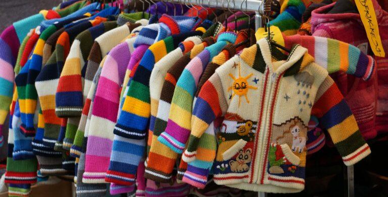 Алтайские таможенники пресекли ввоз контрафактной детской одежды на территорию края