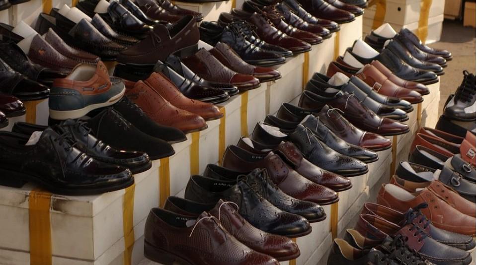 В Дагестане изъяли 1734 пары обуви без маркировки