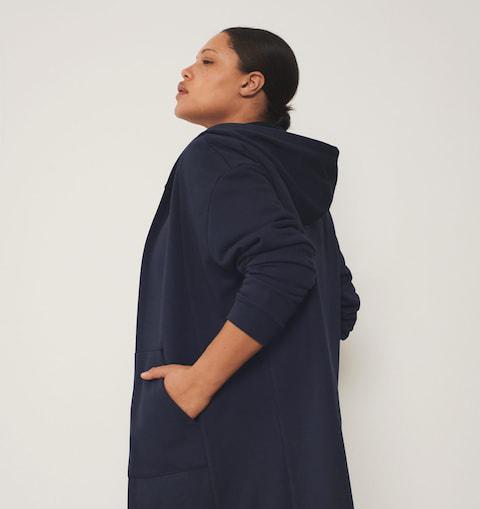 Компания Mango выпустила коллекцию женской одежды для занятий спортом
