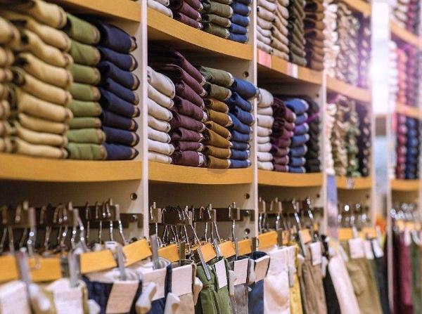 Мировой объем складских остатков одежды составил почти 200 млрд долларов