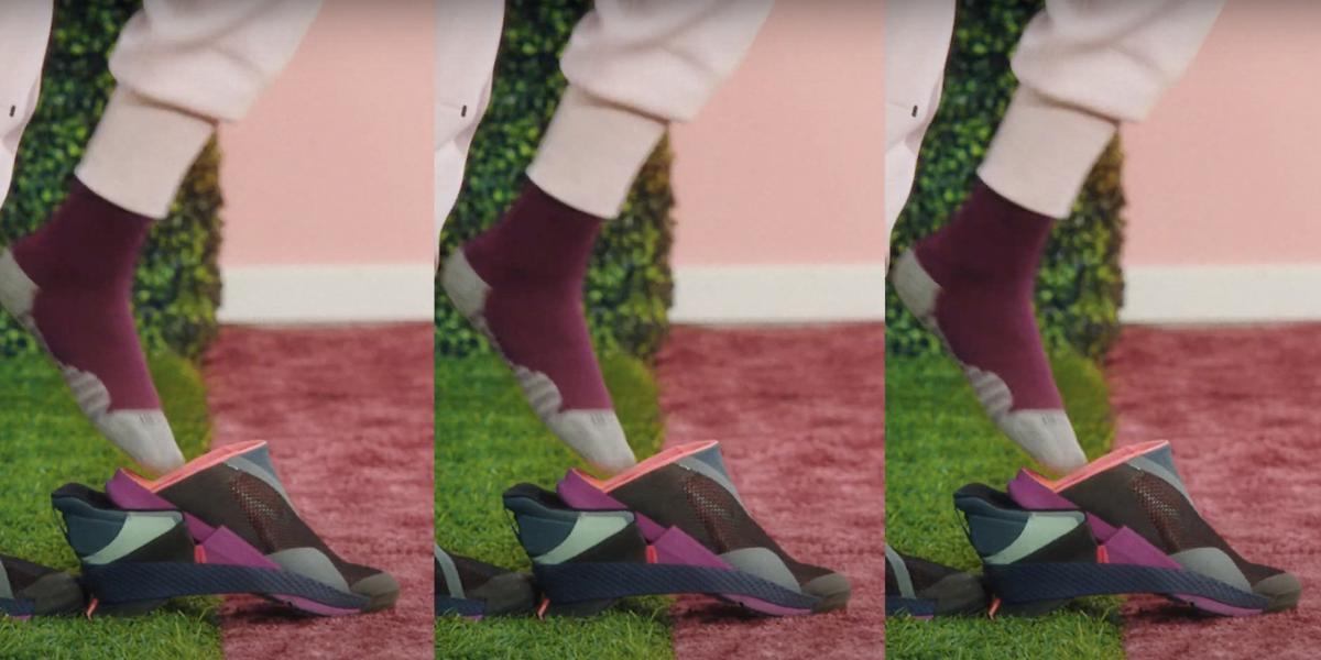 Nike выпустил модель кроссовок, которые можно надеть без помощи рук