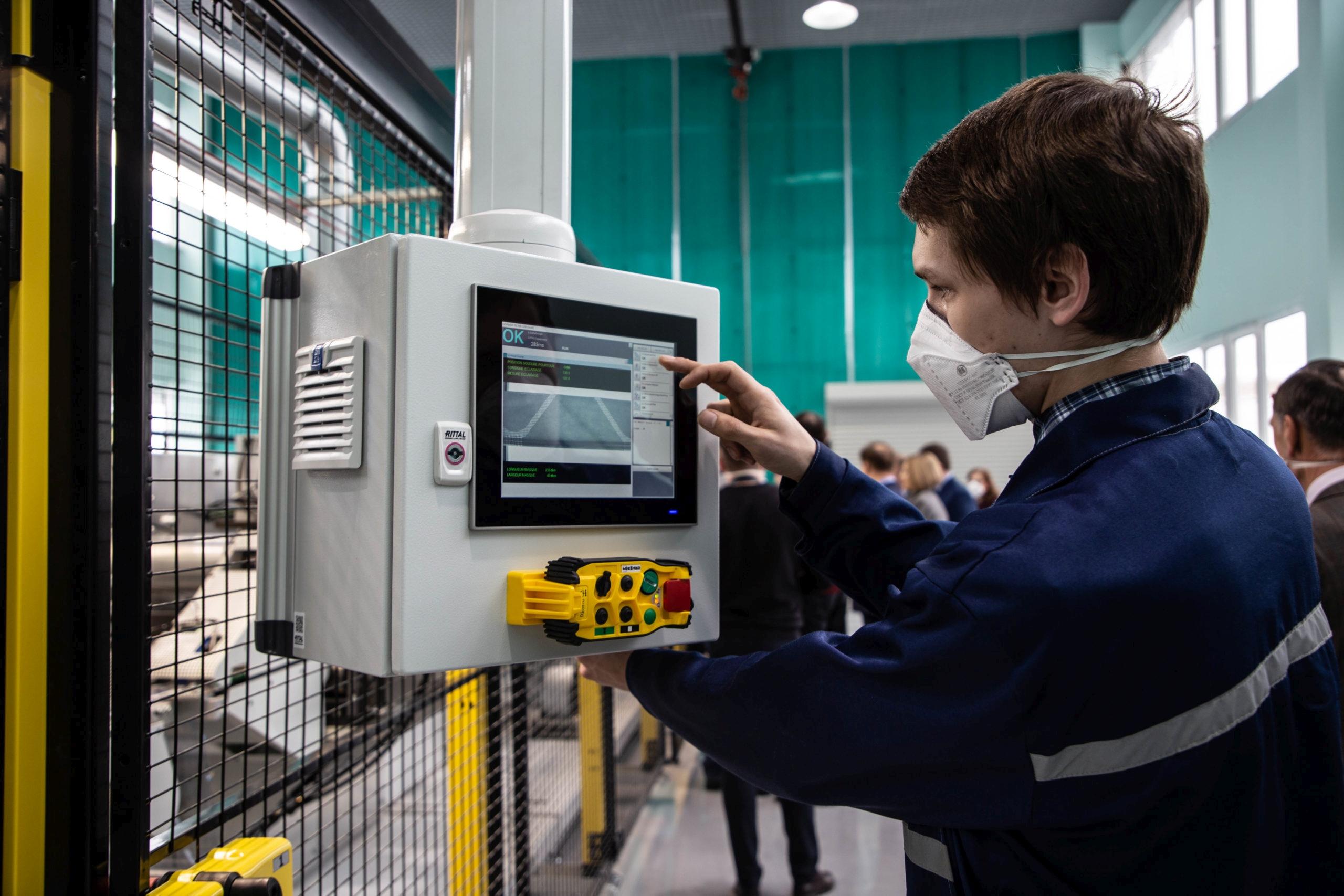 Кимрская фабрика поставляет СИЗ в Германию