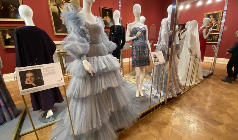 В Нижегородском государственном художественном музее открылась выставка «Платье с историей»