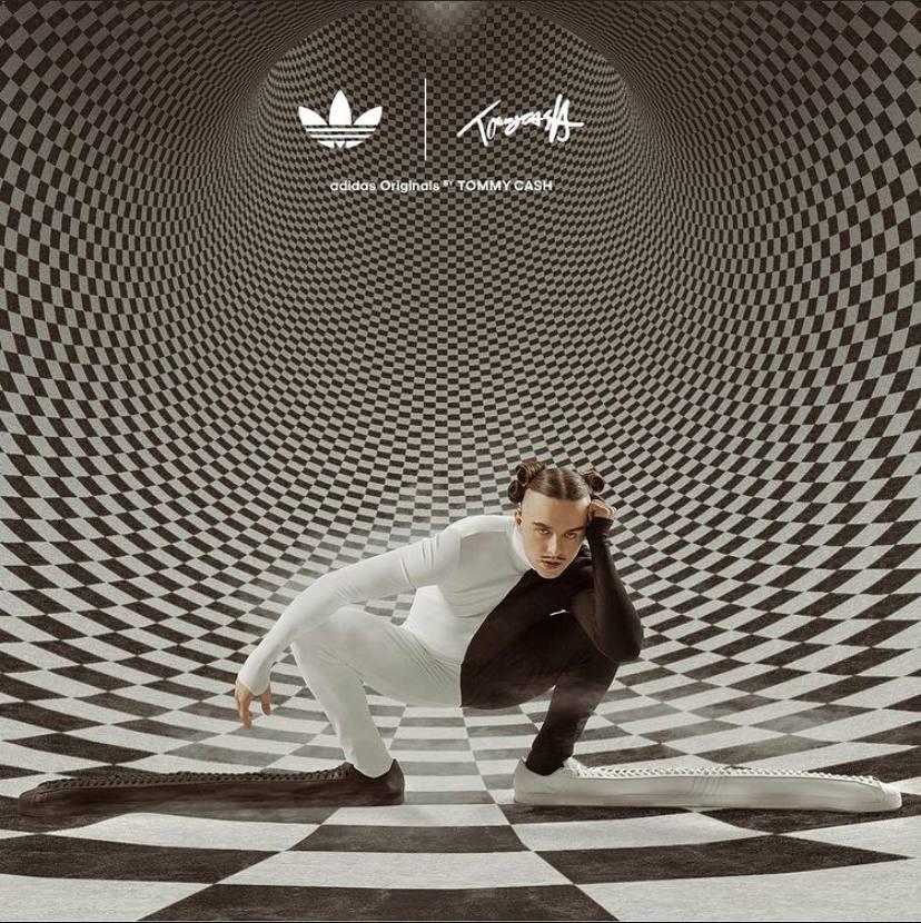 Томми Кэш и Adidas выпустили самые длинные кроссовки в мире
