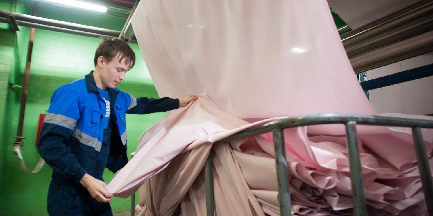 Михаил Мишустин дал поручения для развития легпрома Алтайского края