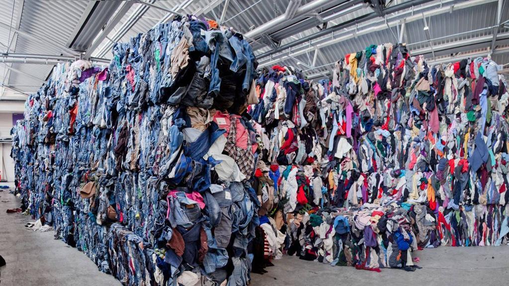 H&M перезапускает программу переработки одежды