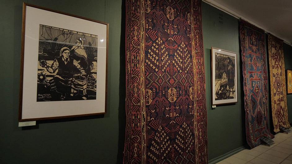 В Курске начала работать выставка дагестанских ковров