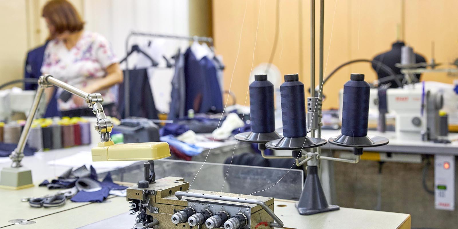 На бирже контрактного производства в Москве зарегистрировано 302 компании легпрома