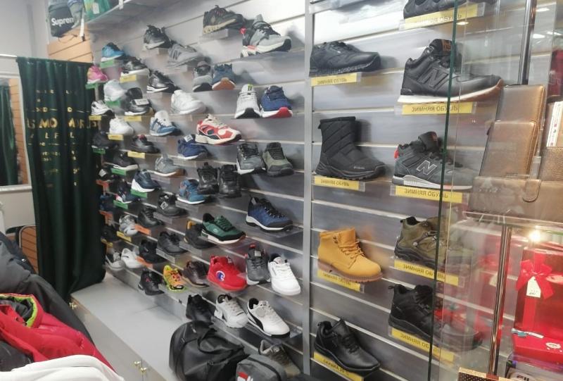 В Тверской области выявили факт реализации контрафактной одежды и обуви
