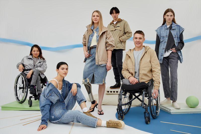 На Lamoda появилась новая категория одежды для людей с инвалидностью