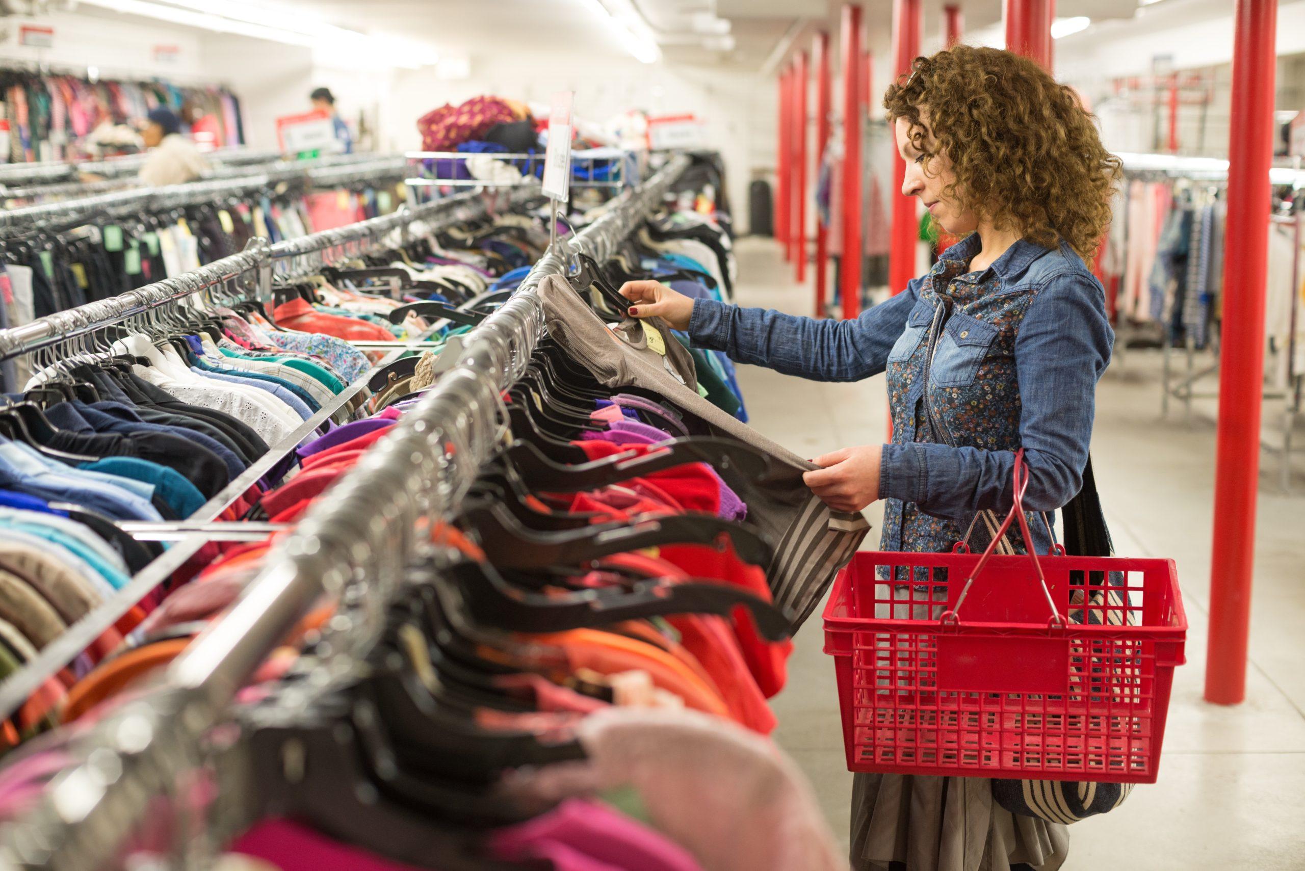 В России набирает популярность вторичное потребление одежды