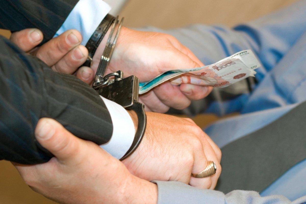 Бывший сотрудник ИК-17 брал взятки за получение контрактов на поставку швейной фурнитуры