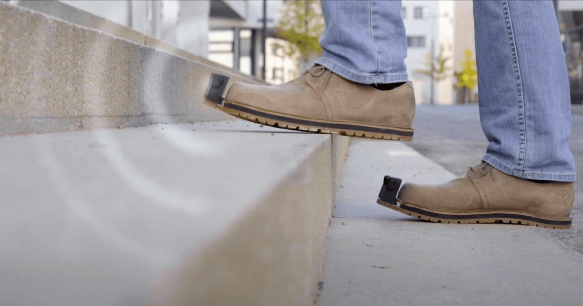 В Австрии разработали обувь, способную предупреждать о препятствиях