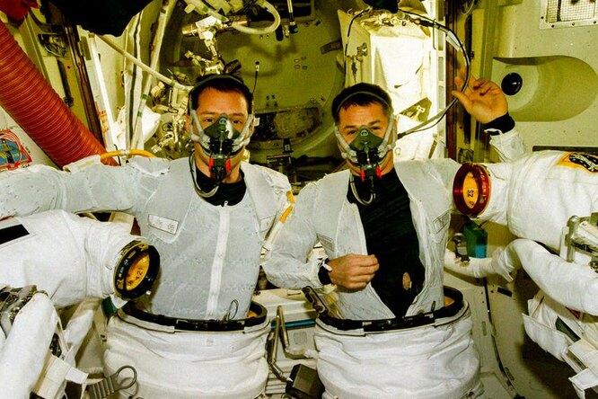 Ученые разрабатывают антимикробную одежду для космонавтов