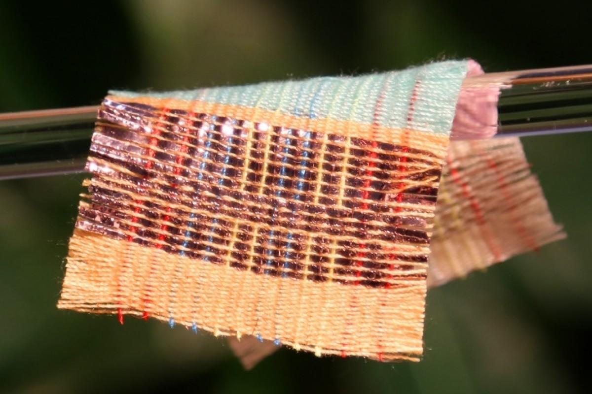 В Китае ученые разработали ткань, способную вырабатывать электроэнергию