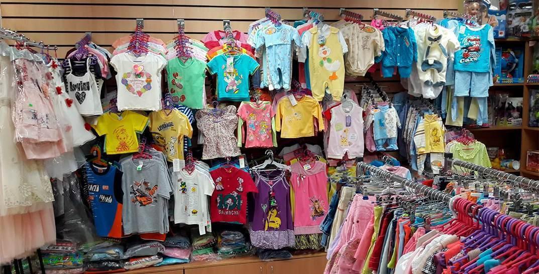 В Гомельских магазинах «низких цен» обнаружили опасную одежду
