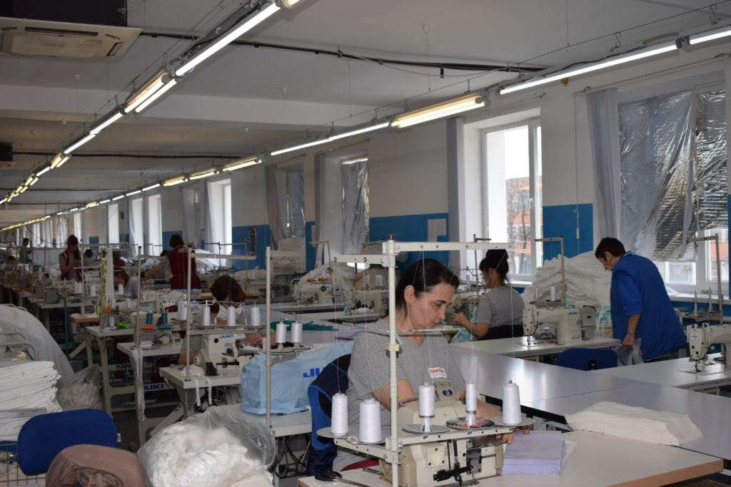 Предприятие «Камышинский текстиль» готовится к выпуску защитных костюмов