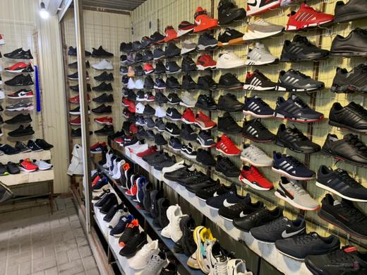 В Волгограде изъяли крупную партию контрафактной обуви