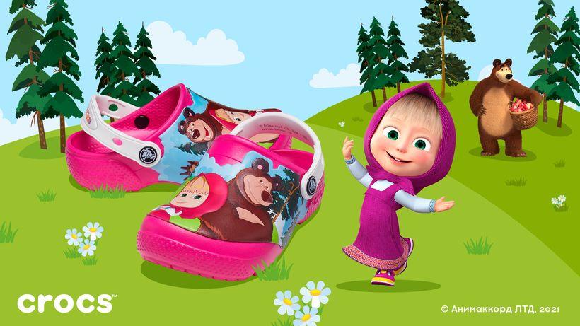 Crocs представил коллекцию по мотивам мультсериала «Маша и Медведь»