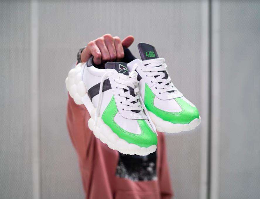 Dirol представил кроссовки из переработанной жвачки