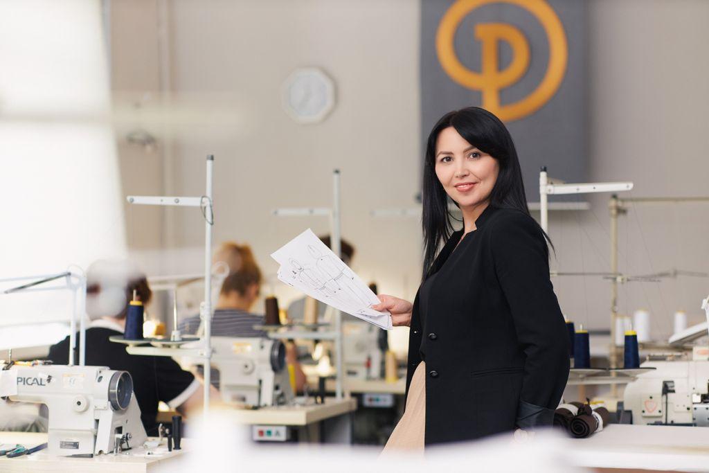 Защитные комбинезоны самарской швейной фабрики получили европейский сертификат