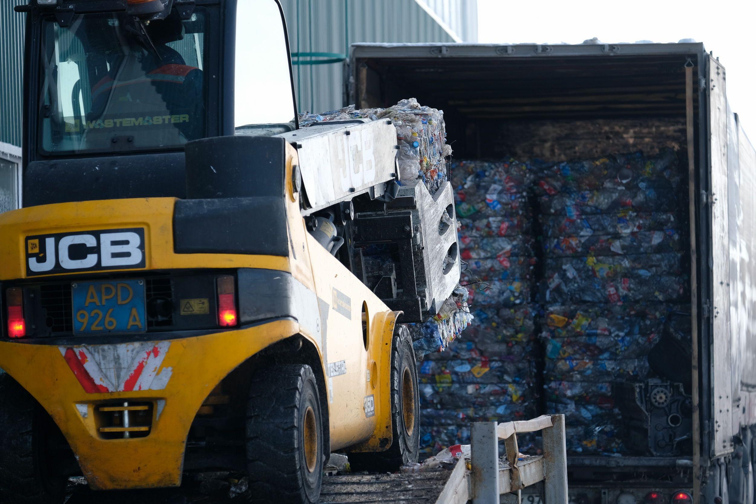 В Алматах будет запущен завод по переработке полиэтилена