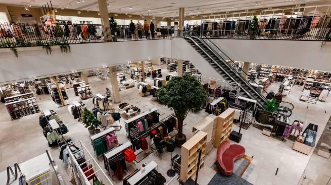 H&M открыл в России крупнейший магазин