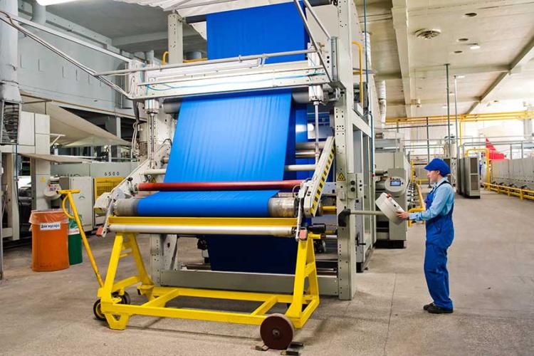 В Перми запустили производство антиковидных тканей для школьников